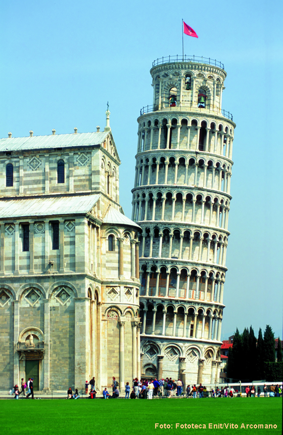 Eines der berühmtesten Bauwerke in der Toskana: der Schiefe Turm von Pisa