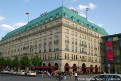 Blick aufs Hotel Adlon in Berlin
