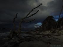Dramatischer Himmel am Weststrand