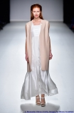 Edel und sehr weiblich ist die Mode von Johanna Rieplinger aus Paris