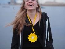Die kleine Sonne als Halskette Foto/Copyright: 2013 Little Sun