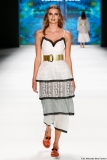 Kleid im Lagen-Look von Rebekka Ruétz Foto: Frazer Harrison/Getty Images for Rebekka Ruetz