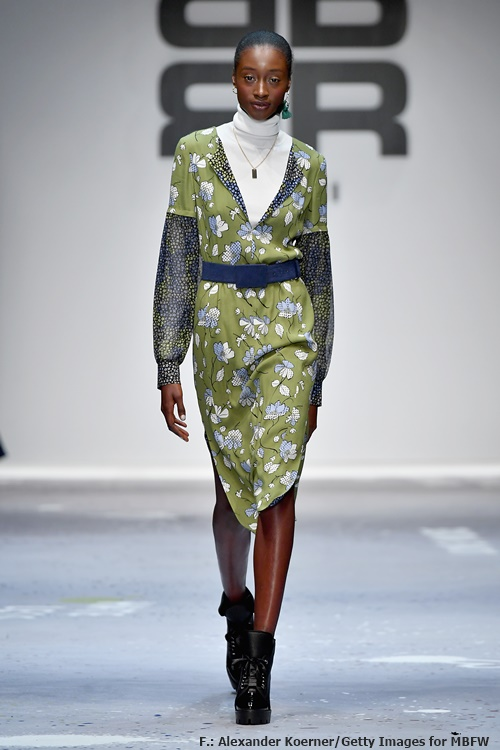 Edel und eigenwillig: Kleid mit Mustermix