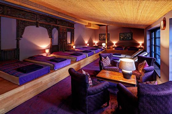Einer der Ruheräume im Vabali Spa - er ist mit Wasserbetten ausgestattet Foto: PR