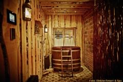Urig: Banja-Becken im Spa des Hotels Bleiche