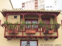 Typischer Anblick in Santa Cruz de La Palma: ein hölzerner Balkon