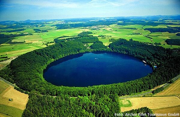 Die Eifel: Naturparadies mit Maaren