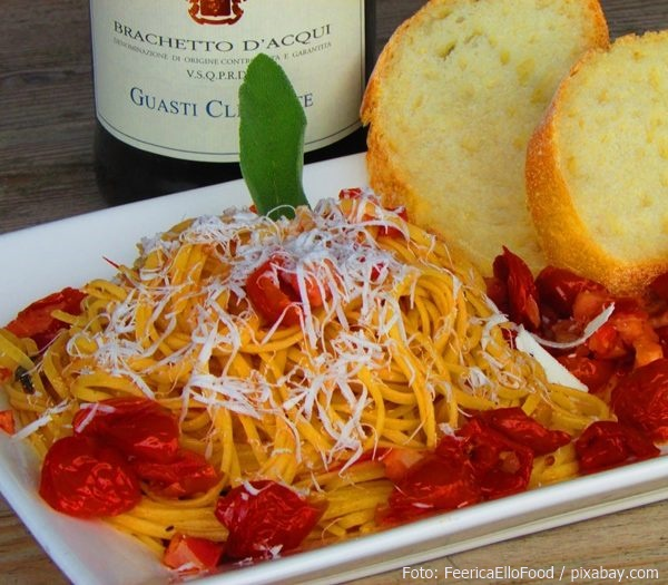 Dolce Vita mit Pasta und Oliven